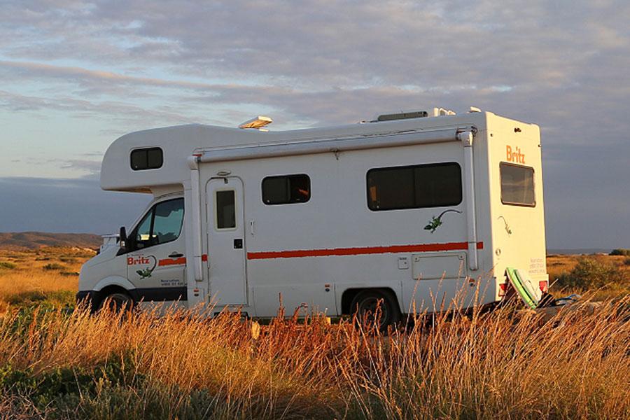 Kimberley 2WD & 4WD Campervan Hire - Britz Voyager
