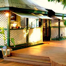 Pinctada McAlpine House Mango Tree deck